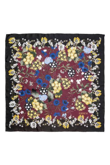 Zijden sjaal met bloemendessin Model