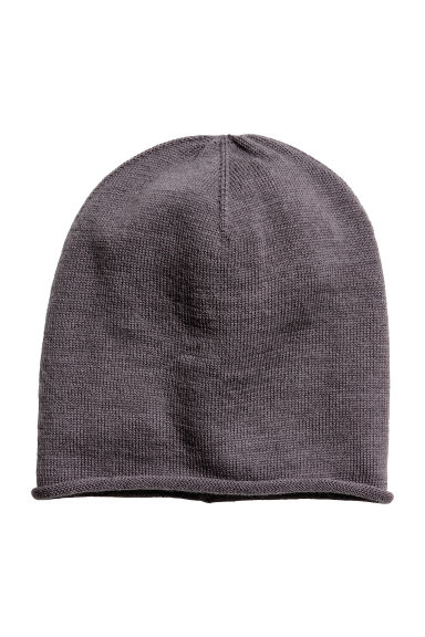 Merino wool hat Model