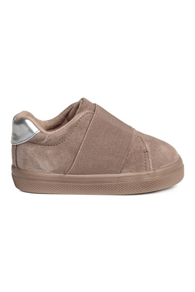 Suede trainers Model