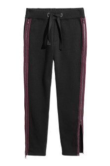 Sweatpants with zips