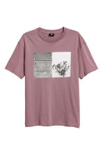 T-shirt with a motif - Light purple - Men | H&M GB 2