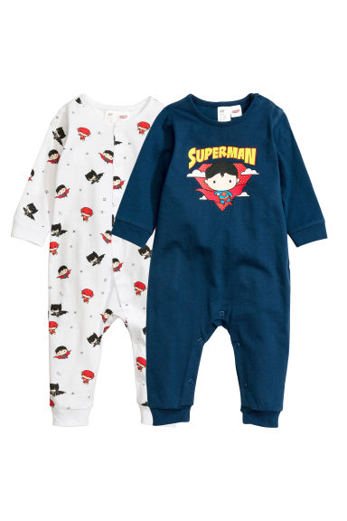 2-pack all-in-one pyjamas Model