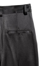 Pantaloni ampi in satin - Nero - DONNA | H&M IT 3