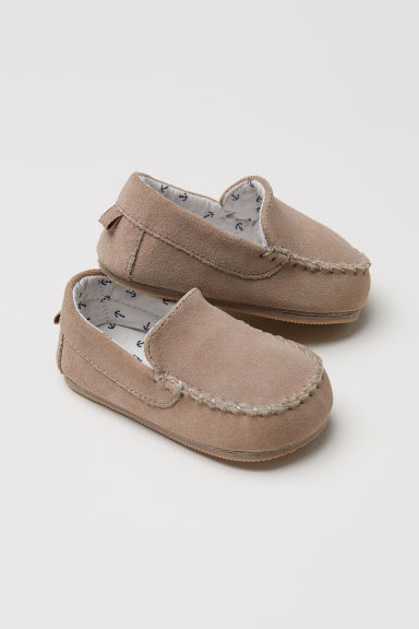Suede loafers Model