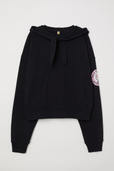 Hooded top with ties