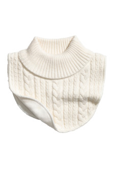 Fleece-lined polo-neck collar