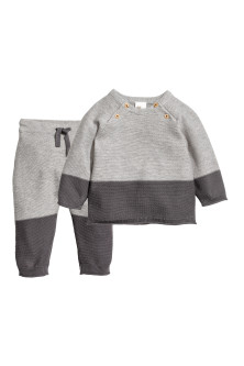 Cotton jumper and trousers
