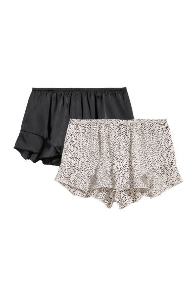 Shorts in satin, 2 pz - Nero/cuori - DONNA | H&M IT