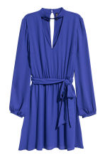 V-neck dress - Bright blue - Ladies | H&M 2