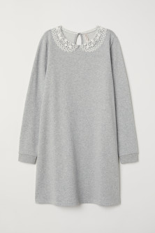 Sweatshirt dress with a collar