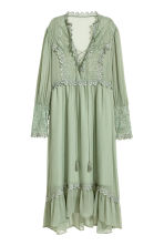 Chiffon dress with lace - Dusky green - Ladies | H&M 2