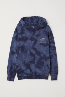 Batik-patterned hooded top