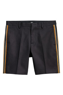 City shorts with side stripes