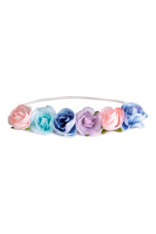 Hairband with flowers