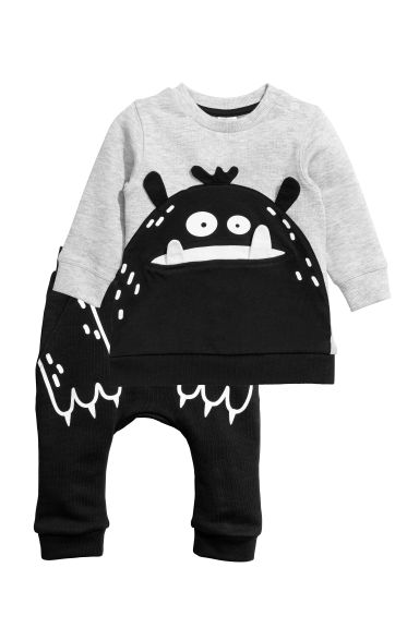 Sweatshirt and joggers - Black/Monster - Kids | H&M CN 1