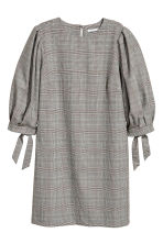 Puff-sleeved dress - Grey/Dogtooth - Ladies | H&M GB 2