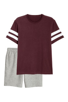 Pyjama T-shirt and shorts