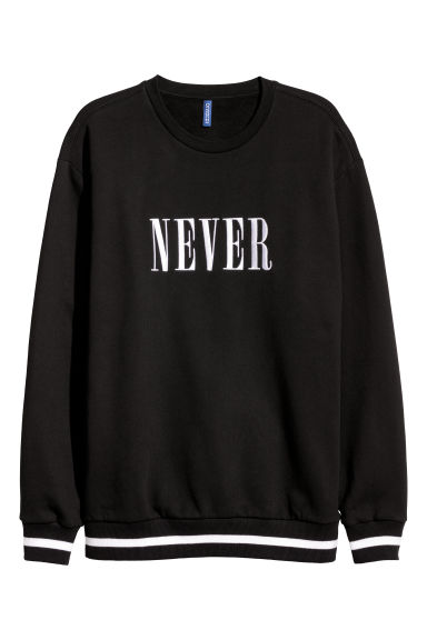 Embroidered text sweatshirt Model