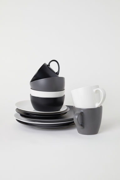 Porcelain plate - Black - Home All | H&M CN
