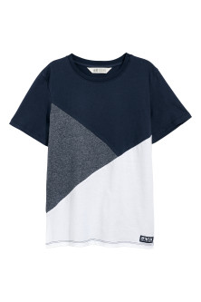 T-shirt con motivo color block