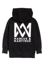 Printed hooded top - Black/Marcus & Martinus - Kids | H&M CN 5