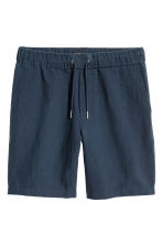 Linen-blend shorts - Dark blue - Men | H&M 2