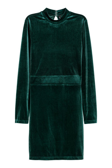 Fitted velvet dress Model