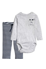 Bodysuit and trousers - Light grey/Striped - Kids | H&M CN 1
