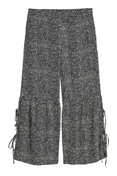Culottes with lacing - Black/Patterned - Ladies | H&M IE