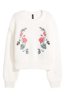 Knitted jumper with embroidery