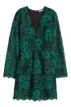 Lace V-neck dress - Green - Ladies | H&M CN 2