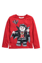 Printed jersey top - Red/Lego - Kids | H&M GB 2