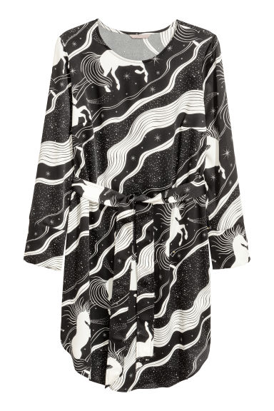 H&M+ Crêpe dress - Black/White patterned - Ladies | H&M GB