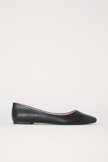 Pointed ballet pumps