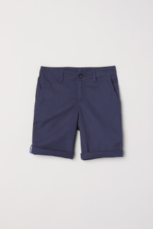 Generous Fit Chinosshorts