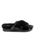 Faux fur slippers - Black - Ladies | H&M IE 1