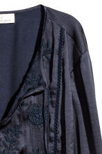 Embroidered blouse - Dark blue - Ladies | H&M 3
