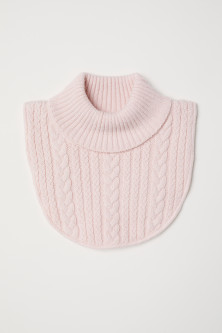 Cable-knit polo-neck collar