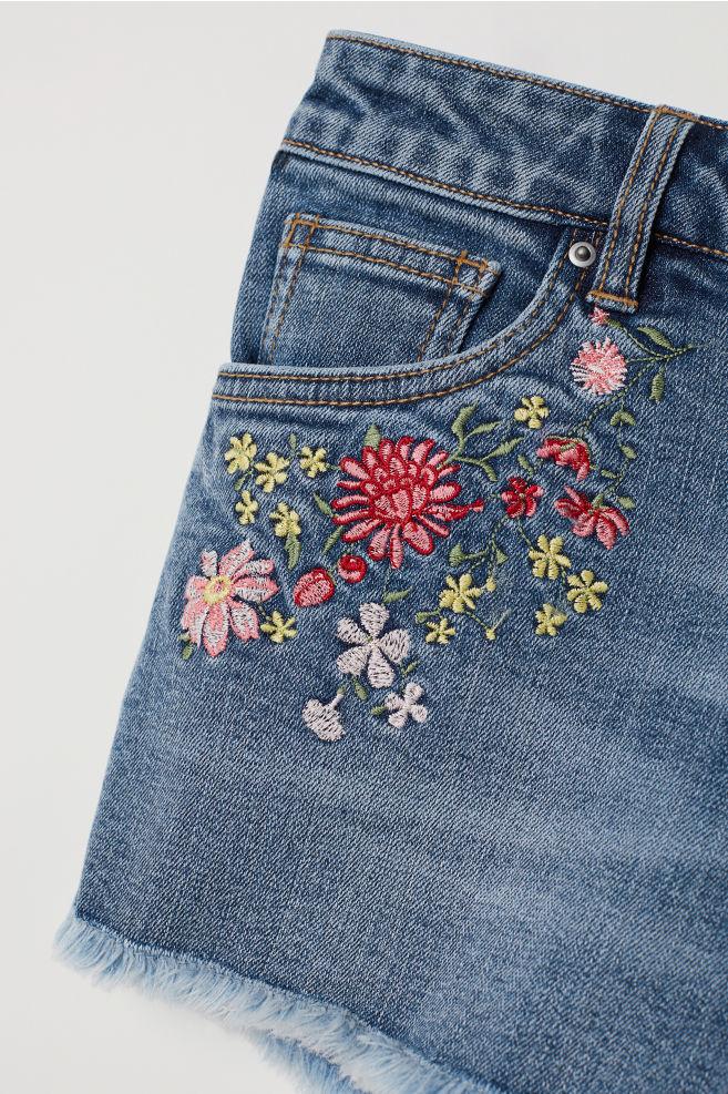 ... Embroidered denim shorts - Denim blue/Flowers - Ladies | H&M ...