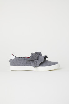 Sneakers slip-on con volant