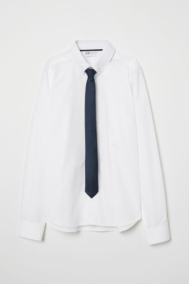 Shirt with a tie/bow tie Model