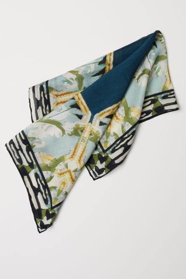 Small lyocell-blend scarf - Dusky green/Petrol - Ladies | H&M CN