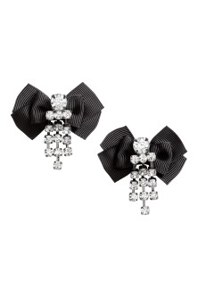 Earrings with a bow