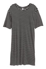 T-shirt dress - Black/White striped - Ladies | H&M 1