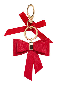 Keyring with bow