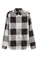 Flannel shirt Regular fit - Dark grey/White checked - Men | H&M CN 2