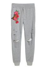 Embroidered joggers - Grey marl/Roses - Ladies | H&M 2