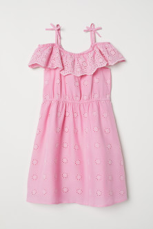Robe avec broderie anglaise