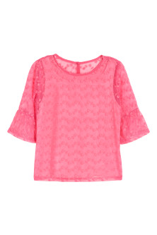 Flounce-sleeved lace top