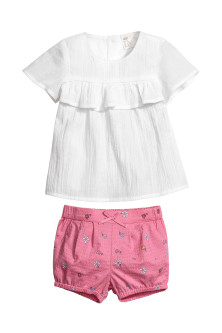 Cotton blouse and shorts